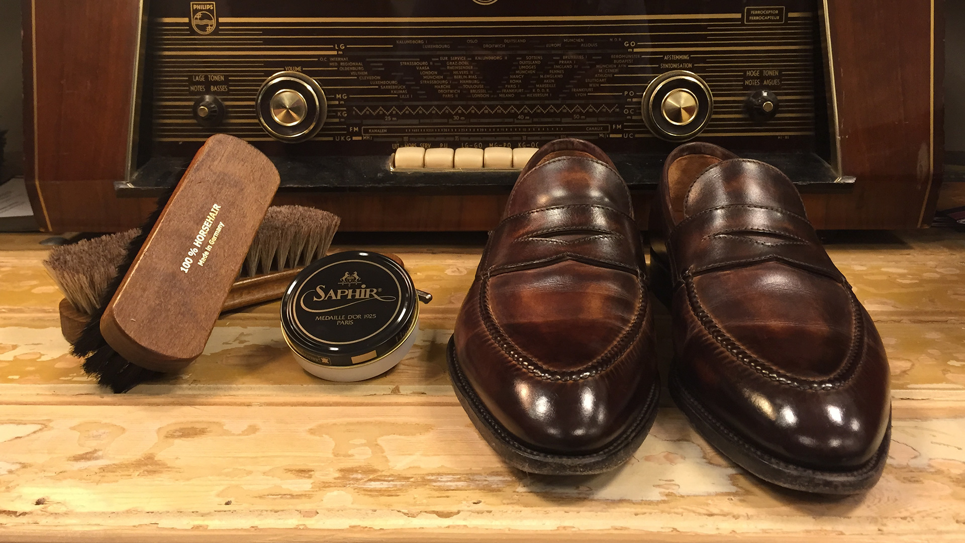 Shoe Care – How to spit shine your leather shoes Art.4